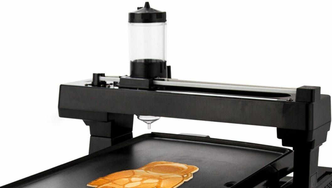 """ROBOT: Den """"norske"""" pannekakeroboten kan lage hvilke som helst motiver."""