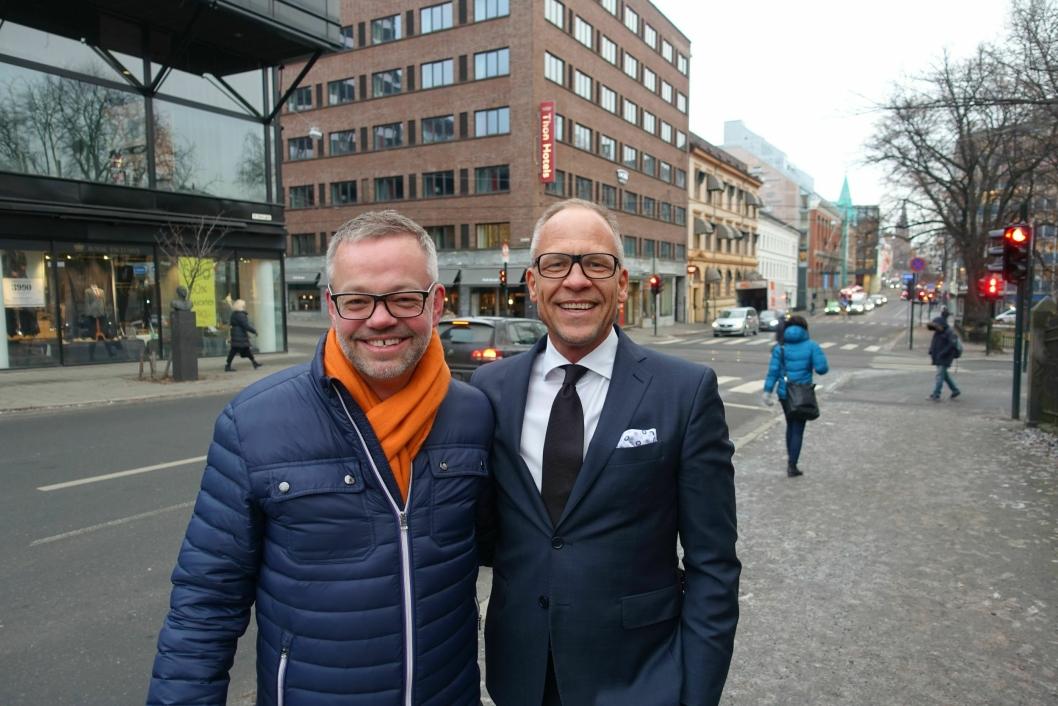 Interiørarkitekt Trond Ramsøskar (t.v.) og hotelldirektør Christian Arnet gleder seg til å vise frem nyoppussede Thon Hotel Europa i 2018.