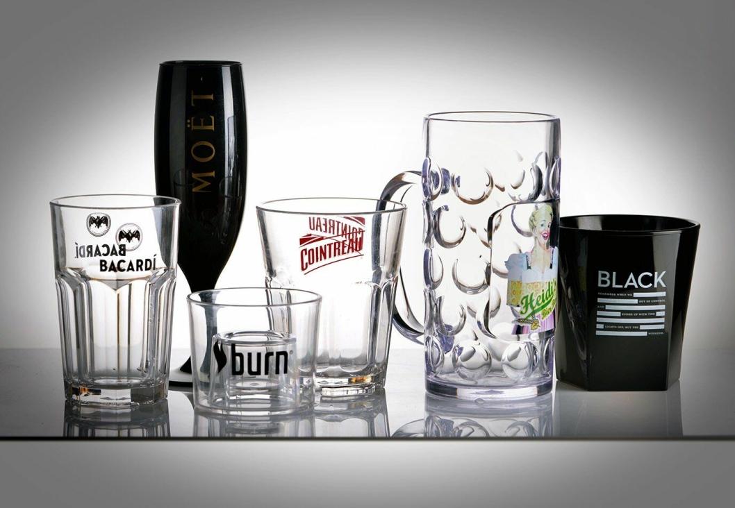 DIN LOGO: Akkurat som på glass, kan også plastglassene påføres ønsket logo.