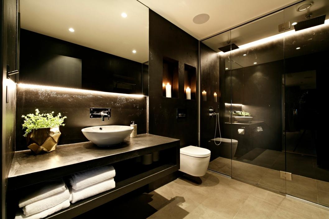 LUKSUSBAD: Leilighetene har to smakfulle bad med det ypperste av standard.