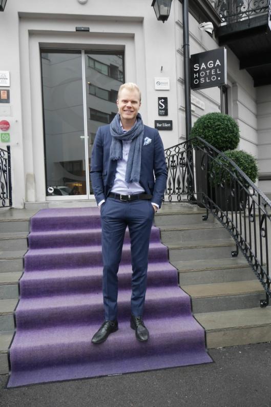 FORNØYD: Hotelldirektør Christian Fr. Sandberg har grunn til å smile.
