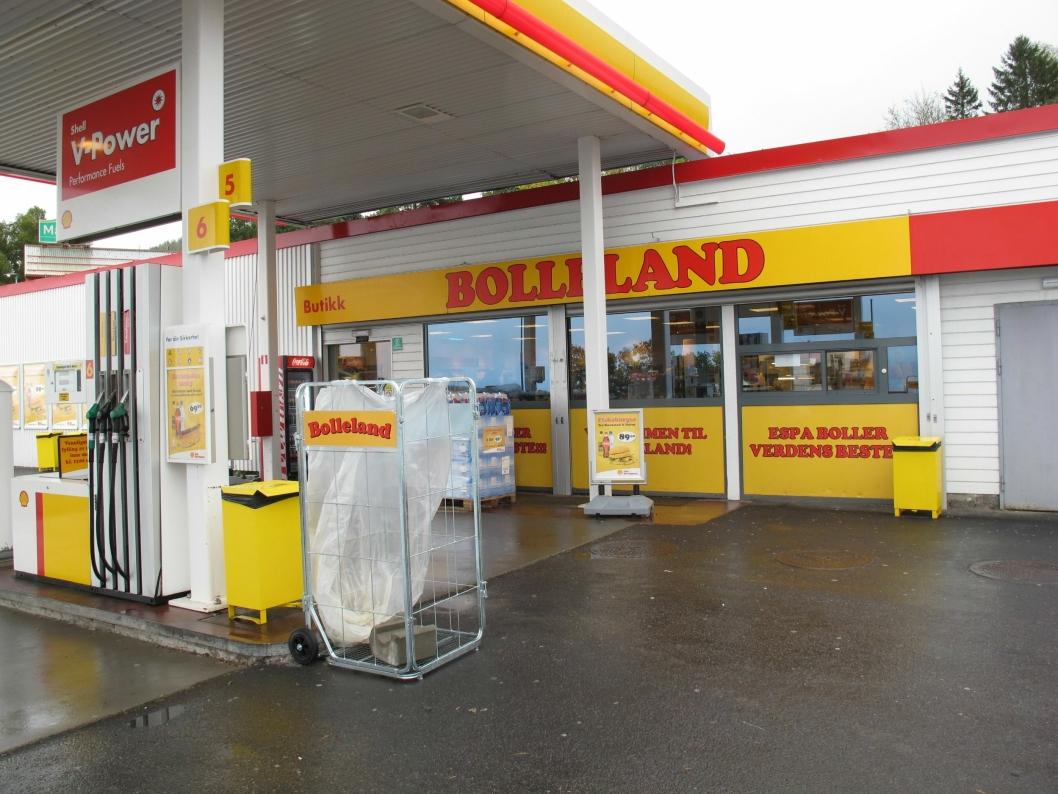 BOLLELAND: Det er ikke drivstoff som produkt nr. 1 på denne bensinstasjonen.