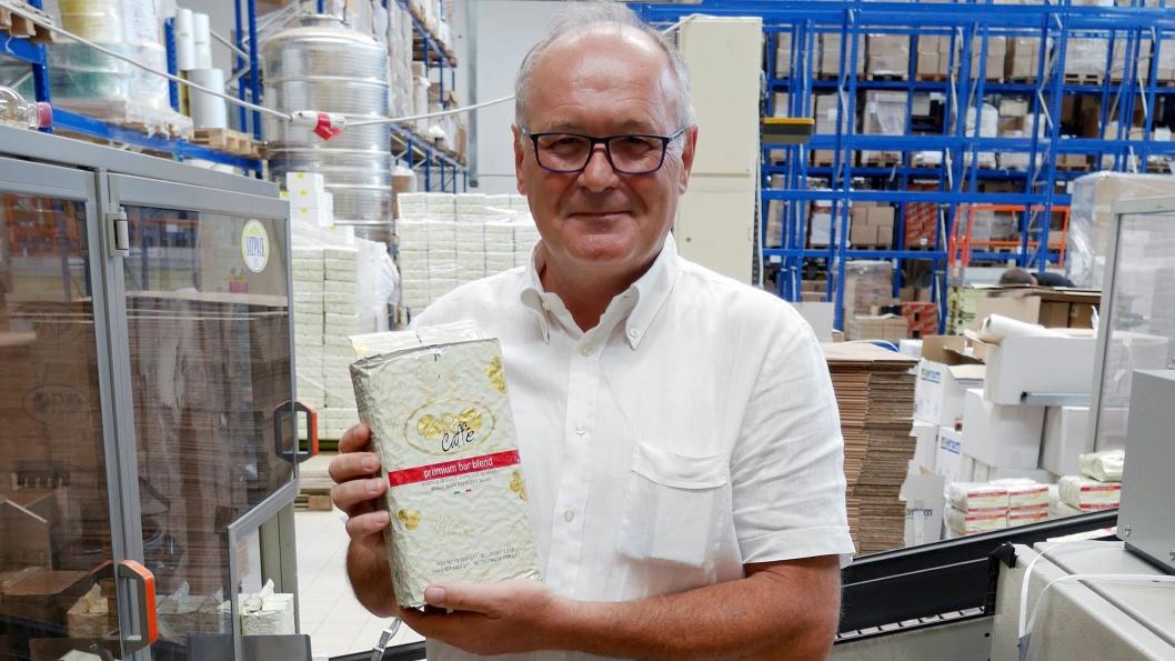 GRUNNLEGGEREN: Stefano Toppano grunnla Oro Caffé for 29 år siden og er fortsatt aktivt med i den daglige driften.