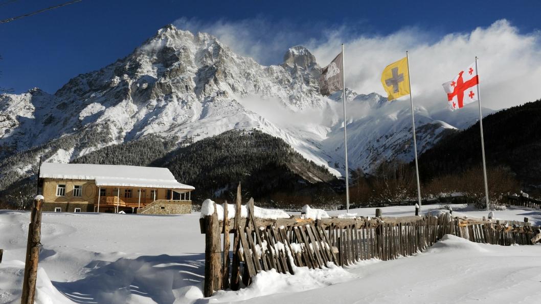 VINTERPARADIS: I Svanetifjellene har norske Richard Bærug funnet sin hotellperle.