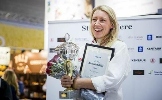 SEIER: Tonje Holtungen ble en klar vinner i konkurransen Årets konditor. Foto: Ihne Pedersen.