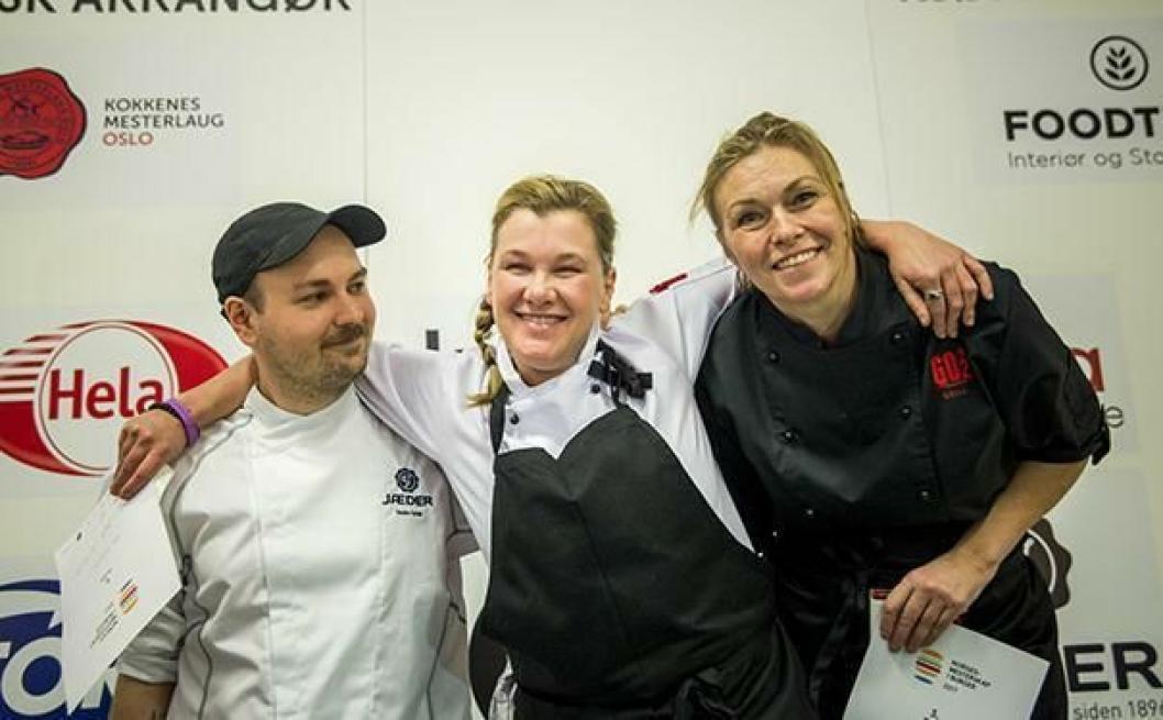 JUICY: NM-vinner Ann Vestgren flankert av sølvvinner Sondre Dahl og bronsevinner Anne-Lise Sørensen. Foto: Ihne Pedersen.