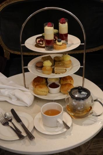 TILBEHØR: Nyter du afternoon tea i London er dette et nødvendig tilbehør.