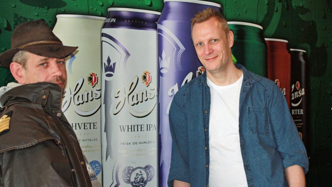 LOTHEPILS?: Lothepus diskuterer øltyper med bryggerimester Carl Erik.