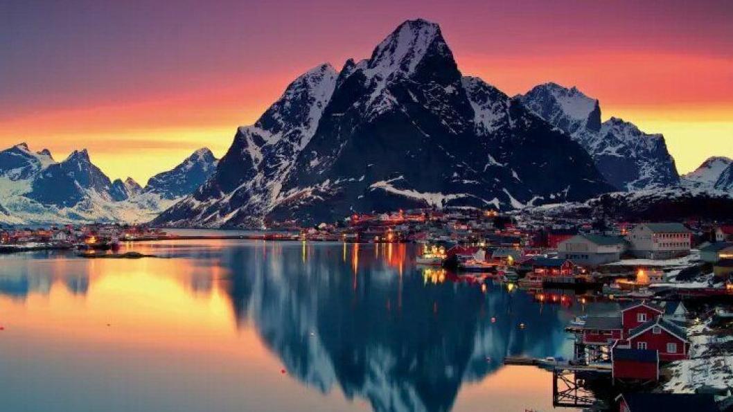 #POPPIS: Lofoten, her illustrert ved Reine, er Norges mest populære reisemål å hashtagge på Instagram. Foto: visitnorway.no