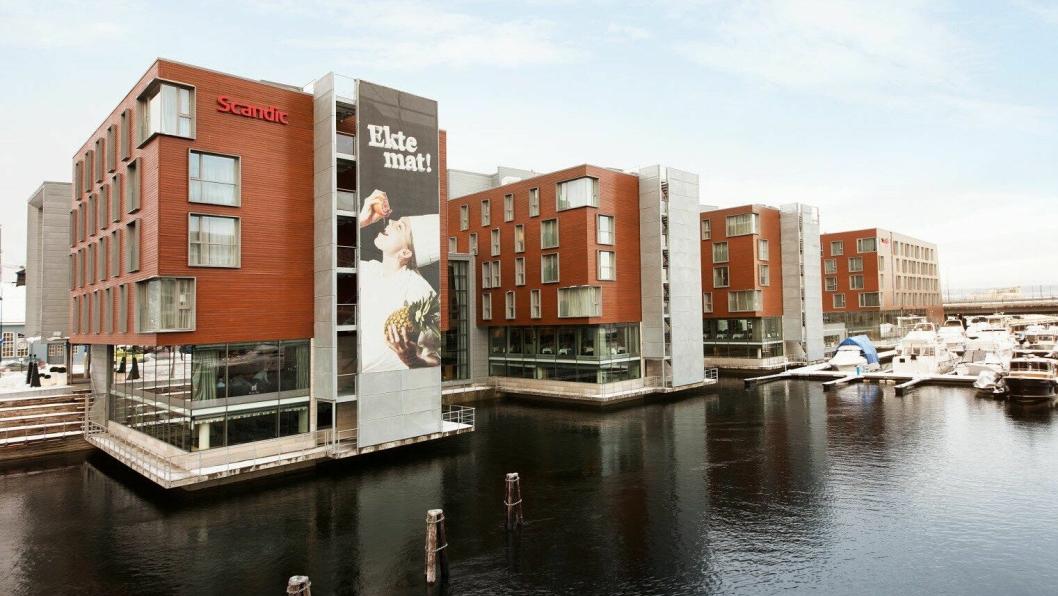 BYGGES PÅ: Den nye restaurantdelen og trimrommet bygges ut i Nidelven.