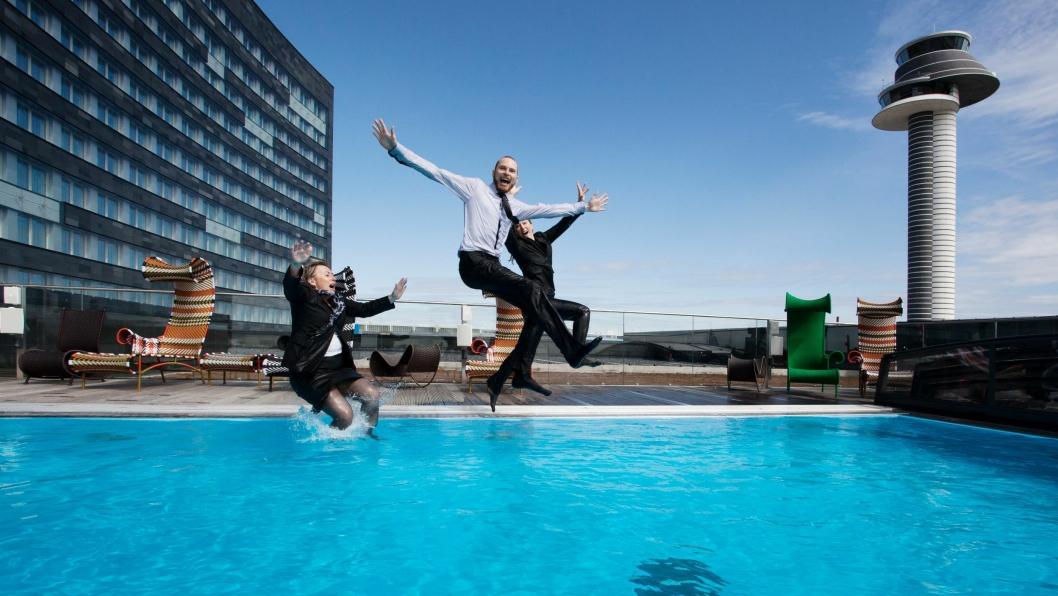 HOPPENDE GLADE: Nordic Choice-gjengen har all grunn til å hoppe i det, etter dagens resultater.