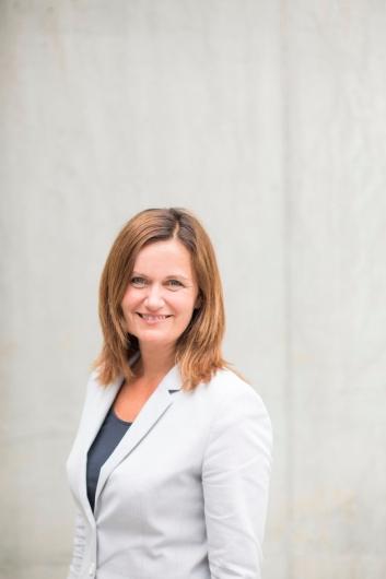 GIR SEG: Therese Log Bergjord gir seg etter åtte år som toppsjef i Compass Group. Foto: Compass Group