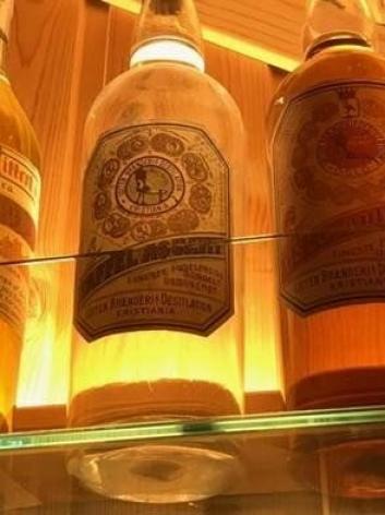 """100 ÅR: Denne gamle flasken var """"eneste"""" spor etter det opprinnelige produktet."""