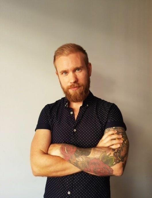 NY BARSJEF: Mathias Alsén er ny barsjef på hotellet.