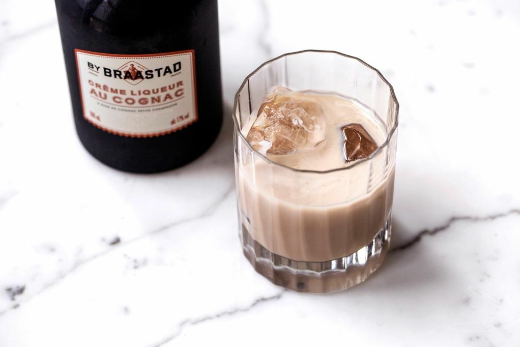 SLIK? I et glass med isbiter, eller sammen med kaffe? Det blir opp til deg.