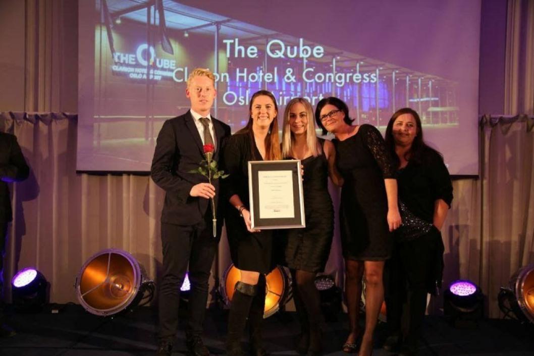 GLAD GJENG: The Qube-gjengen kunne juble for pris. Foto: Camilla Bergan/HSMAI.