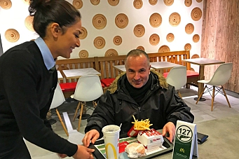 McDonald's tester bordservering