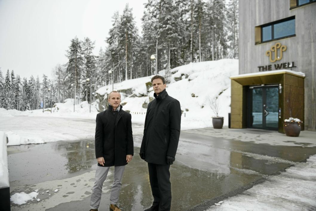 GLEDER SEG: The Well Resort skal stå ferdig i utgangen av 2019. Arkitekt Øystein Rognebakke og Kristian Gundersen, development director i Canica.