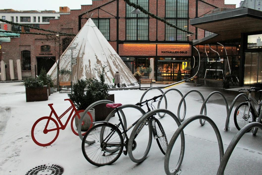 GOD PLASS: Vulkan-området, med en rekke restauranter og butikker, har i alt 650 sykkelparkeringsplasser, både innen- og utendørs.