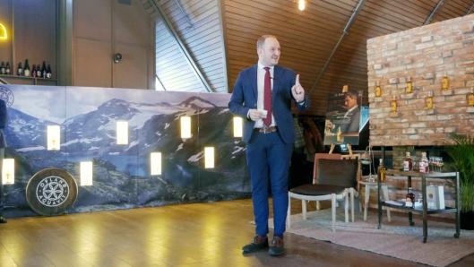 – LYKKE TIL: Landbruks og matminister Jon Georg Dale ønsket lykke til med den internasjonale lanseringen.