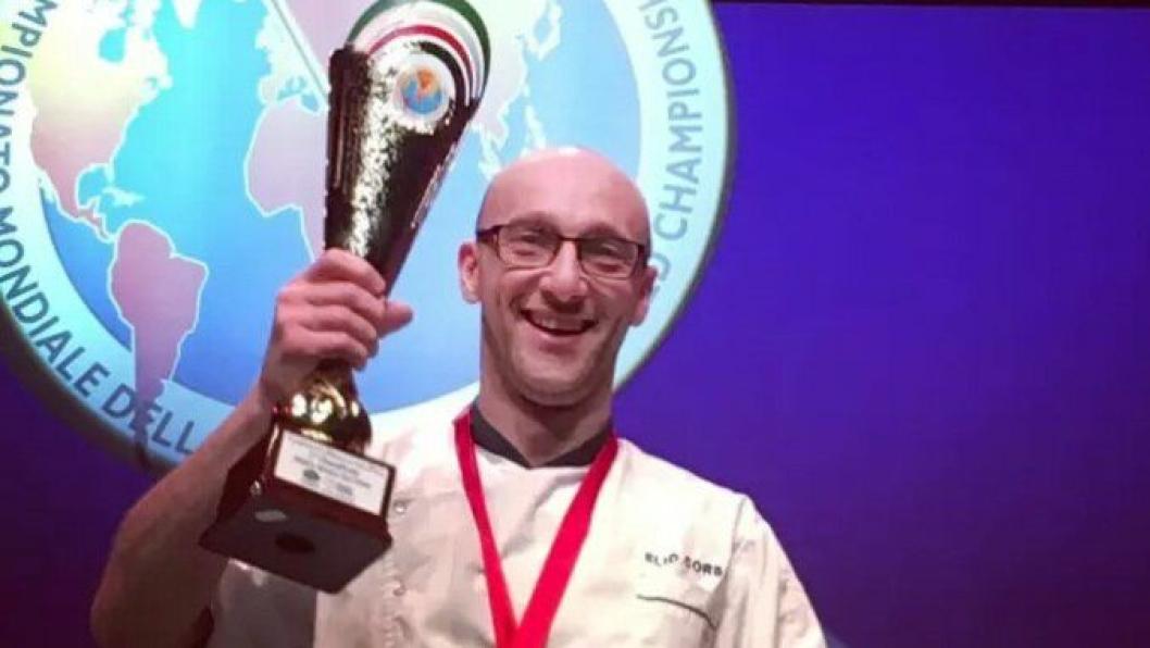 SØLV: Elio Corsi sikret seg sølv i pizza-VM. Foto: Tobias Schelin.