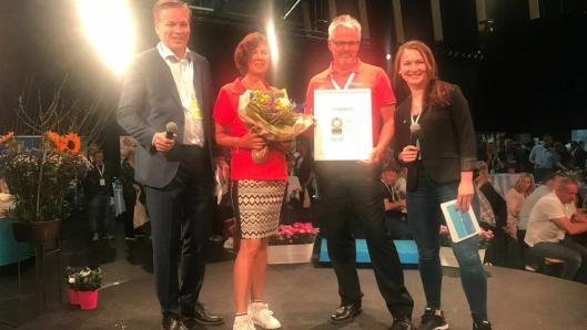 BEST UTEN MAT: Årets leverandør av non food og tjenester i 2017 er NorEngros. Fra venstre: Øyvind Frich (leder av innkjøpsutvalget i NHO Reiseliv Innkjøpskjeden), Kristin Farstad (storkundeansvarlig i NorEngros), Frank Tellefsen (salgssjef for NorEngros i Kristiansand) og Alexandra Buan (kategorisjef i NHO Reiseliv Innkjøpskjeden).