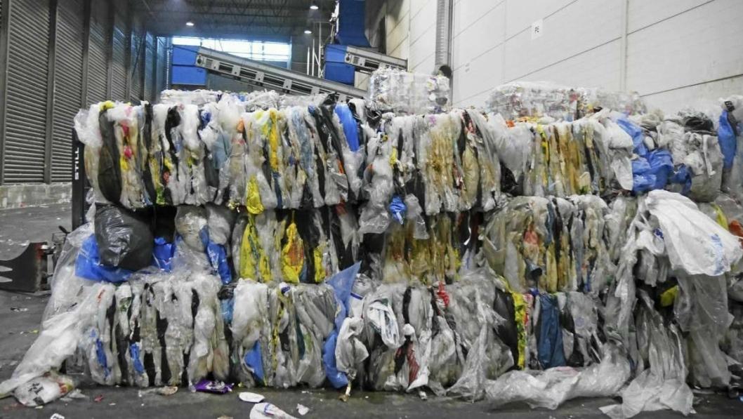 TAR GREP: Comfort Hotel tar enda sterkere grep om plastbruken sin. Målet er å redusere bruken av plast og at det som brukes havner på et gjenvinningsanlegg.