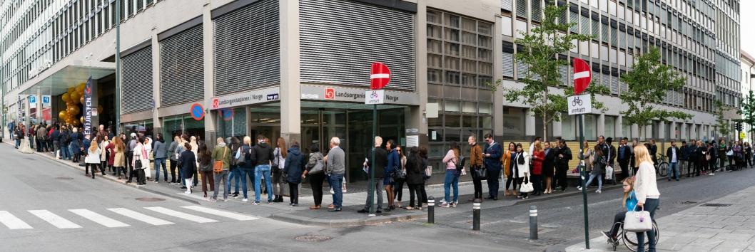 REKORD?: Har det noen gang vært lenger kø til et jobbintervju i Oslo?