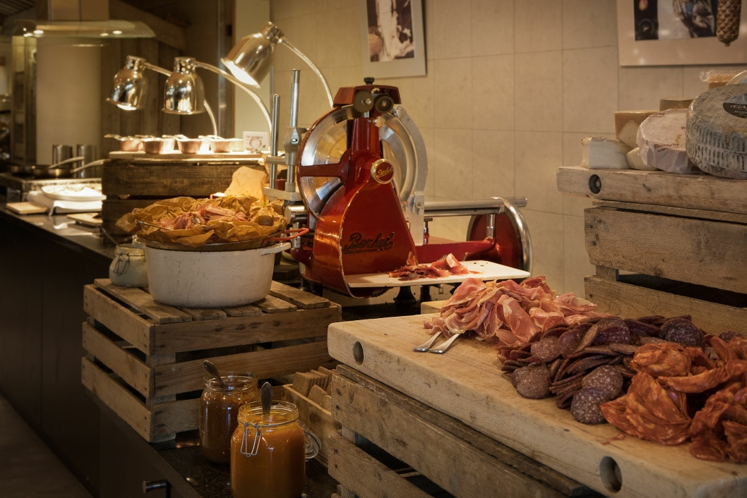 IMPONERER STADIG: Dette er kun ett av de forbløffende elementene som venter frokostgjestene ved Scandic Nidelven.