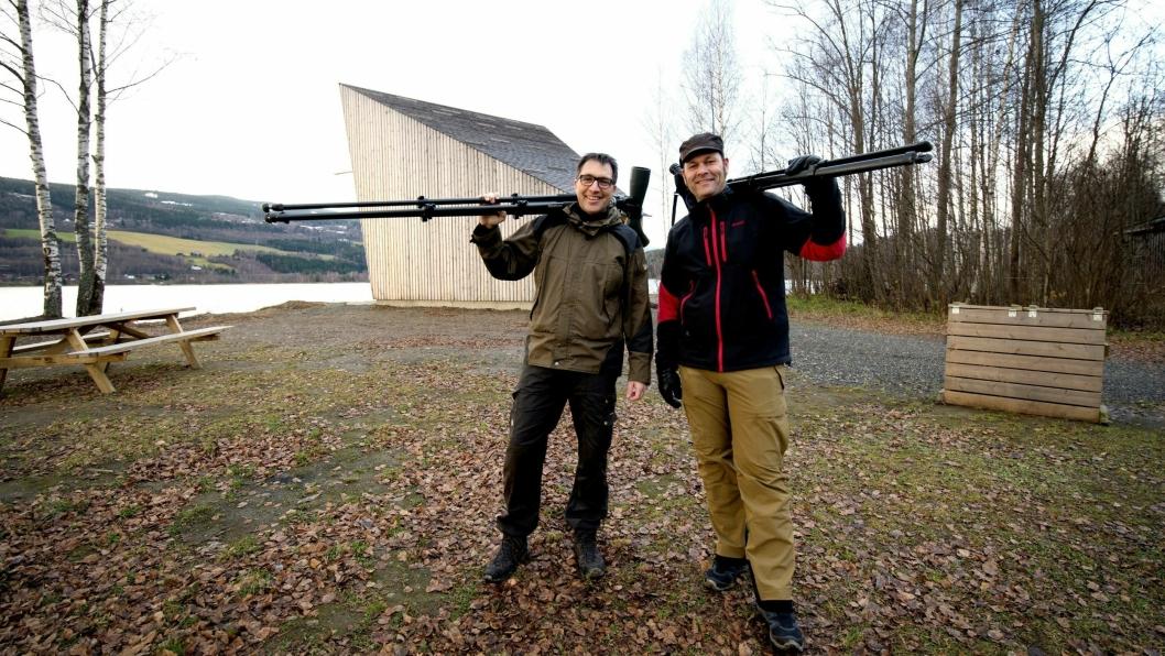 INITIATIVTAKERE: Erik A. Hansen t.v. og Kenneth Lunna , står bak nettsiden Birdingbed AS.