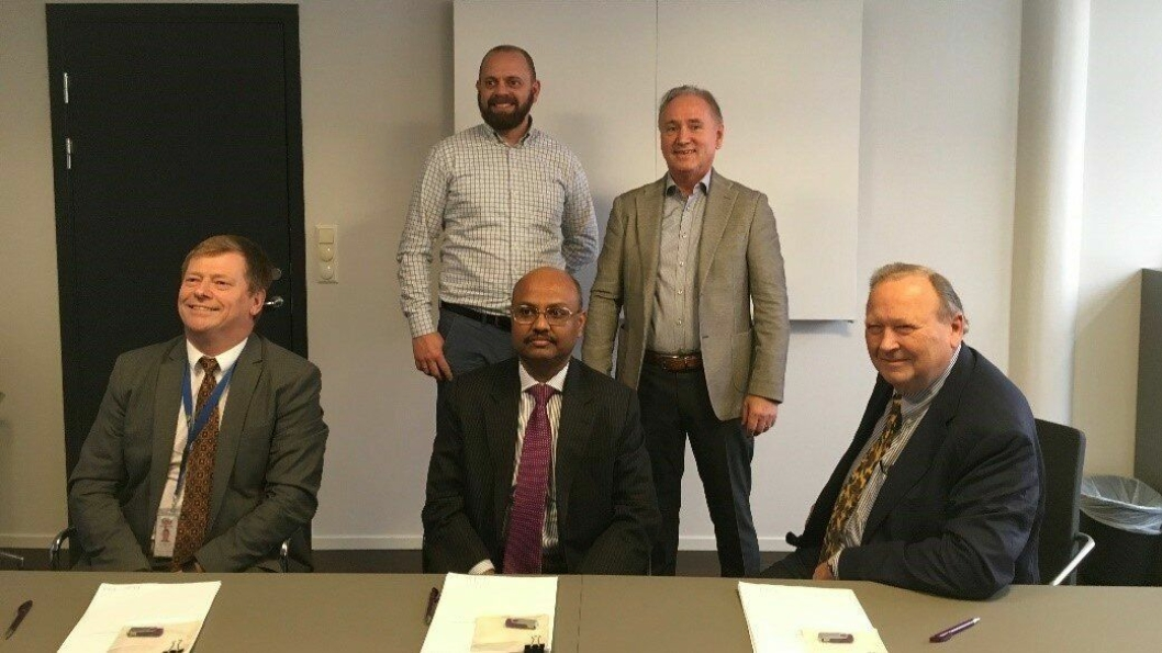 Nederst fra venstre: Roger Tveide (Adm Dir ESP), Vishal Goenka (CFO Renaissance Contract Services AS) og Steinar Myklebust (Styreformann og eier ESP). Bakerst fra venstre: Bernt Arne Sandsmark (Daglig Leder NOC) og Ingvar Varhaug (Styremedlem NOC)