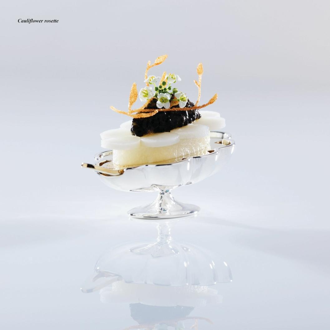 Blomkålrosett. Smørbakt blomkål med grønnsakskaviar.