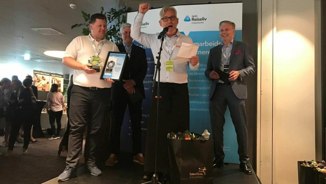 NHO Reiseliv Innkjøpskjeden har kåret Grilstad Foodservice Årets leverandør av mat 2019. Fra venstre: Jan Anders Brun (salgssjef i Grilstad Foodservice), Morten Karlsen (direktør for verving og innkjøp i NHO Reiseliv), Terje Eskedal, (Key Account Manager i Grilstad Foodservice) og Øyvind Frich (leder av innkjøpsutvalget i NHO Reiseliv Innkjøpskjeden).