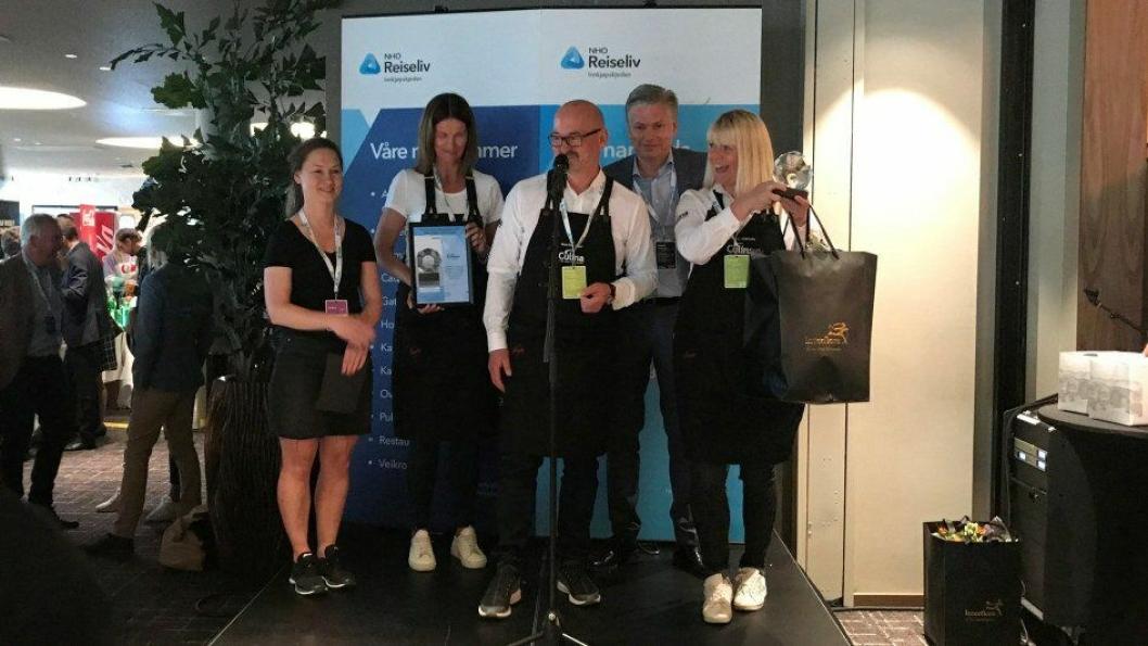 Culina er kåret til Årets leverandør av non-food og tjenester 2019. Fra venstre: Alexandra Buan (kategorisjef for non-food og tjenester), Mette Wangen, kundekonsulent i Culina), Pål Byhring-Enger (salgssjef i Culina), Øyvind Frich (leder av innkjøpsutvalget i NHO Reiseliv Innkjøpskjeden) og Kathrine Starheim (markedssjef i Culina).