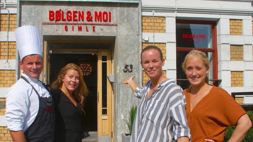 NYE LOKALER: En optimistisk kvartett ønsker velkommen til Bølgen & Moi Gimle i Bygdø allé 53. Fra venstre: Soussjef Krzysztof Rybicki, restaurantsjef Elisabeth Löfström, daglig leder Linn Albertsson og hovmester Malin Wihlborg.