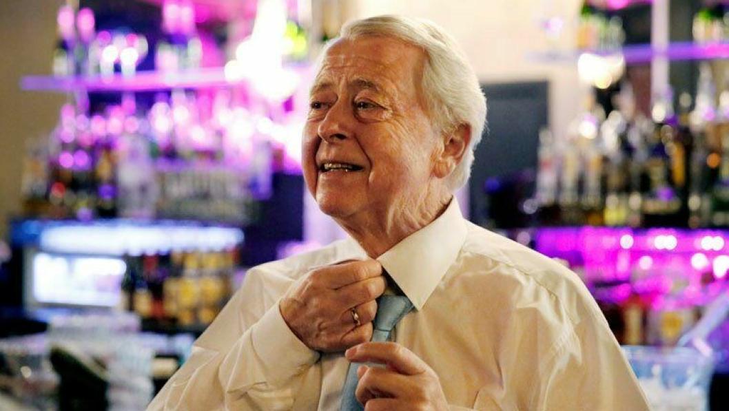 DØD: Rica-grunder, Jan E. Rivelsrud, har gått bort 79 år gammel.