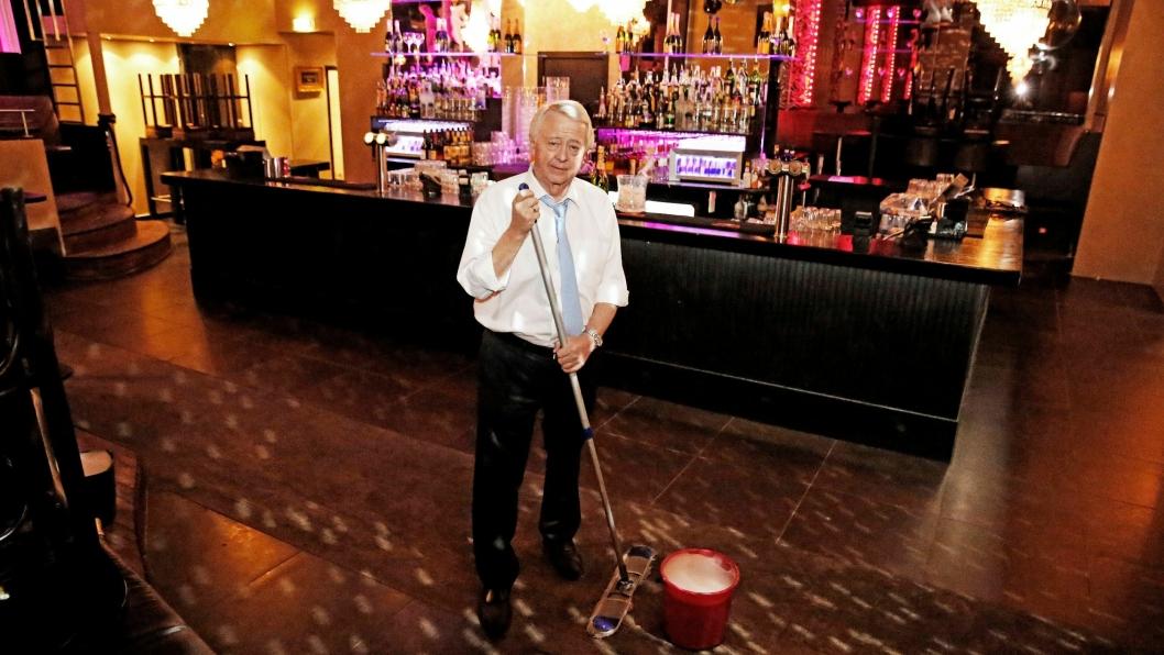 PÅ GULVET: Jan Rivelsrud stilte opp til stort intervju med Hotellmagasinet på Baroque i Oslo, da nyheten om Scandics kjøp av Rica Hotels ble kjent.