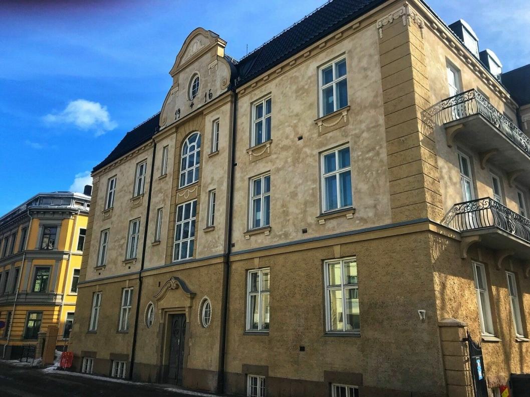 FRA FØDSEL TIL HOTELL: Opprinnelig ble bygården brukt som fødselsklinikk, men ble åpnet som hotell etter totalrenoveringen i 2018.
