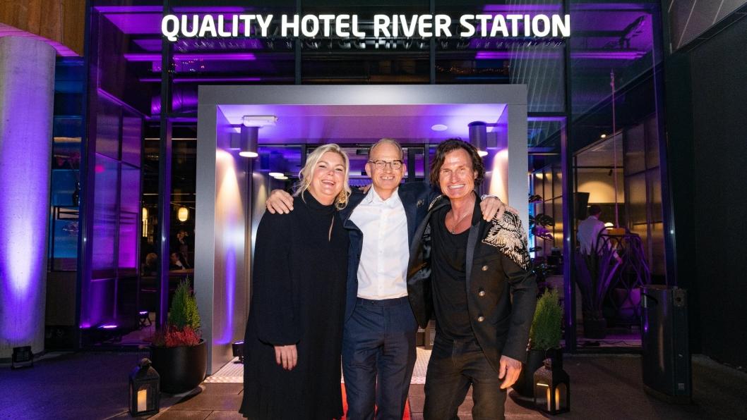 KLARE FOR FEST: Hotelldirektør Anne-Margrethe Tveit, administrerende direktør for Nordic Choice Hotels Torgeir Silseth og grunnlegger av Nordic Choice Hotels Petter A. Stordalen.