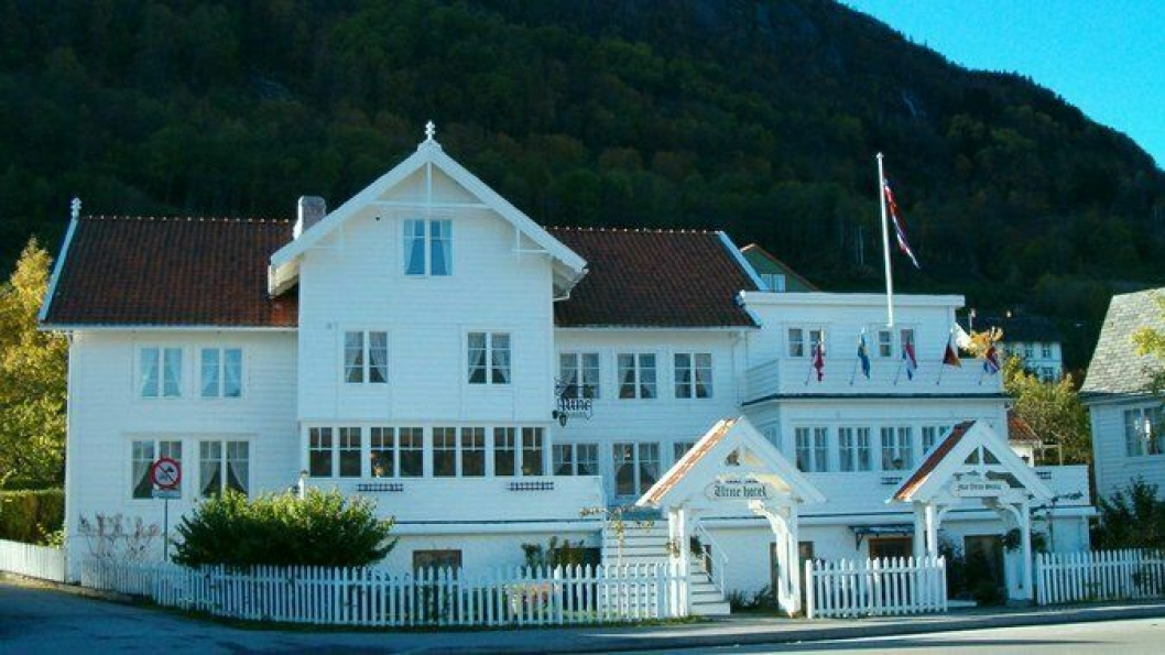 UTNE HOTEL: Flotte Utne Hotel skal sammen med Hotel Ullensvang la gjestene sove godt.