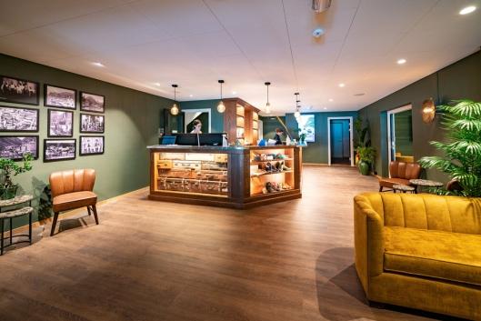 DELIKAT: Det nye hotellet har en skandinavisk stil med varme farger. Foto: Sverre Hjørnevik.
