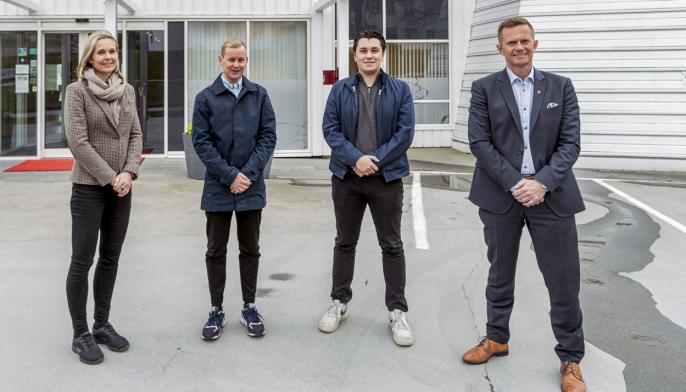 FORNØYD KVARTETT: F.v Elisabeth Husøy, Christian Hjelle, Andreas Steen Mevold og Stephen Meinich-Bache.